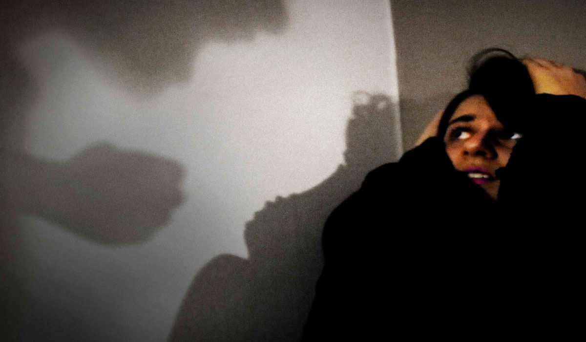 """Deniz Akıncı Röportaj """"Kadına şiddete, çözüm temelli yaklaşılmalı"""""""